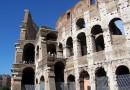 Turyści ukarani grzywną w wysokości 20,000 euro za niszczenie Koloseum