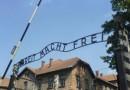 Pod prysznic do Auschwitz – kontrowersyjny pomysł ochłodzenia turystów