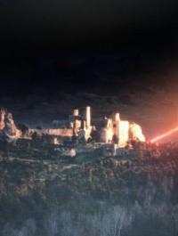 Ogrodzieniec twierdzą, która zdecydowała o losach kontynentu. Polski zamek w Wiedźminie
