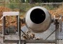 Jak wybrać betoniarkę? Funkcje i parametry urządzeń
