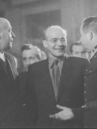 Gomułka kontra Chruszczow. By dokonać puczu w 1956 na Warszawę ruszyły radzieckie czołgi
