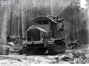 Ciągnik używany do przewożenia materiału z Kuźnic na Myślenickie Turnie, 1935 r. / Fot. NAC.gov.pl