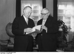 Konrad Adenauer i Ludwig Erhard / fot. Bundesarchiv, B 145 Bild-F004214-0033, CC-BY-SA