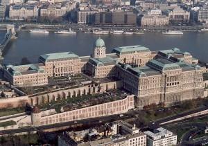 Zamek Królewski w Budapeszcie widziany z powietrza / fot. Civertan