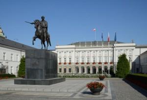 Widok pałacu od strony Krakowskiego Przedmieścia / fot. Marcin Białek, CC-BY-SA-3.0.