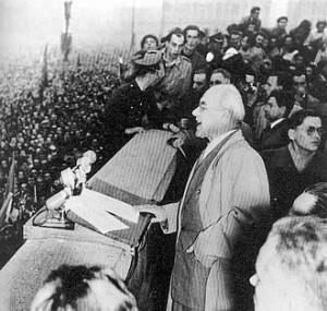 Przemówienie Gomułki na wiecu w Warszawie 24 października 1956