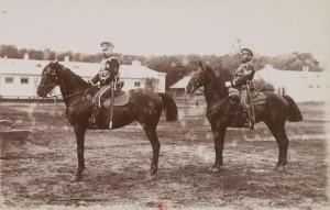 Oficerowie grodzieńskiego pułku huzarów w Warszawie 1892