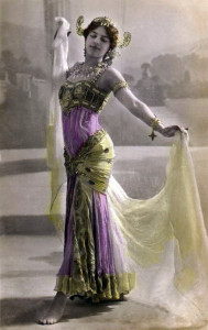 Mata Hari na pocztówce z 1906 roku
