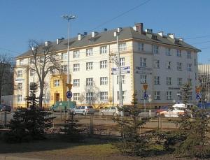 800px-Budynek_CM_UMK