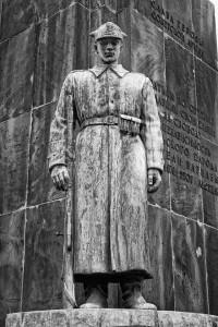 PomnikBraterstwaBroniDetal