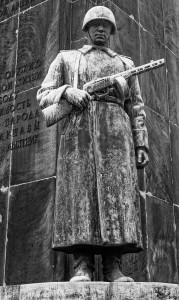 PomnikBraterstwaBroniDetal002