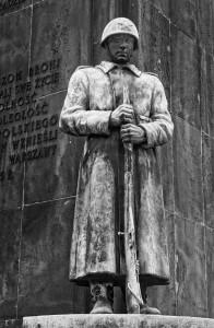 PomnikBraterstwaBroniDetal004