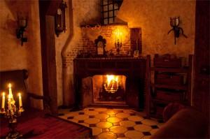 Mieszkanie niczym średniowieczny zamek. Można je kupić w Warszawie