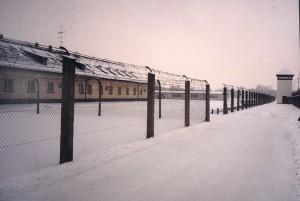 1024px-KL_Dachau_Blocks,_Fence_&_Sentinel_Post