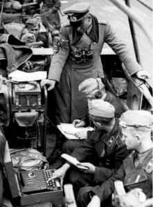 Bundesarchiv_Bild_101I-769-0229-10A_Frankreich_Guderian_-Enigma-_croppped