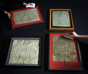 Cztery ocalałe oryginalne kopie dokumentów na wystawie w British Library, fot. AP CC BY-SA 3.0