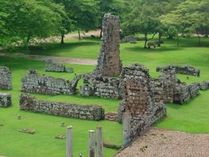 Pozostałości panamskiej katedry spalonej przez piratów Henry Morgana/ fot. Melpanama CC BY 3.0