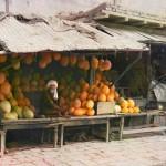Sprzedawca melonów na targu w Samarkandzie, 1905-1915
