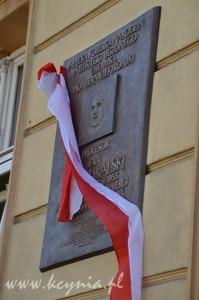 Tablica ku czci profesora w Kcyni / fot. kcynia.pl
