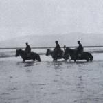 Japońska kawaleria przekracza rzekę Yalu, 1904 r
