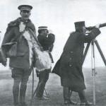 Japoński generał Kuroki Tamemoto i brytyjski oficer Ian Hamilton podczas bitwy pod Sandepu, styczeń 1905 r