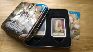 Metalowe pudełko do gry wraz z kartami i instrukcją / fot. Wojtek Duch