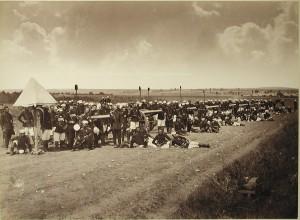 Żołnierze i oficerowie 1-szej artyleryjskiej brygady Lejb-Gwardii Wielkiego Księcia Mikołaja Mikołajewicza w okolicach Stambułu, 1878 r