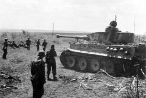 Niemieccy żołnierze podczas odpoczynku w czasie walk w rejonie Kurska