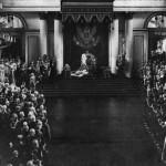 Car Mikołaj II wygłasza przemówienie z tronu w Pałacu Zimowym przed otwarciem 1. Dumy Państwowej. 27 kwietnia (10 maja) 1906