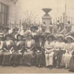 Generałowie i oficerowie żandarmerii wraz z żonami, 1913 r