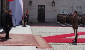 Obchody Dnia Flagi Rzeczypospolitej Polskiej w Warszawie/ fot. Konrad Tracz