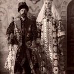 Mikołaj II z żoną w tradycyjnych strojach, 1903