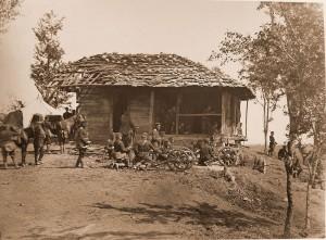 Pluton artylerii podczas bitwy z siłami Osmana Paszy, 1877 r