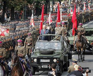 Polish_president_with_army