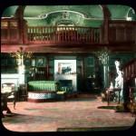Wnętrza carskiej daczy w Peterhofie, zdjęcie koloryzowane z XX wieku
