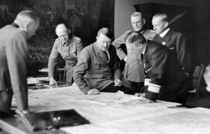 Adolf Hitler i Erich Raeder
