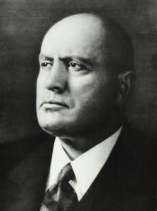 Benito_Mussolini_(primo_piano)