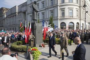 Prezydent Andrzej Duda złożył dziś wieniec pod pomnikiem Józefa Piłsudskiego / fot. fot. Wojciech Olkusnik, prezydent.pl
