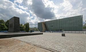 Gmach Muzeum Historii Żydów Polskich POLIN/fot. mamik, CC-BY-SA-3.0