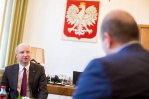 """Minister Wojciech Kolarski podczas wywiadu dla """"historia.org.pl"""" / fot. prezydent.pl"""