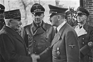 Marszałek Francji Philippe Pétain i kanclerz Rzeszy Adolf Hitler podczas spotkania w Montoire-sur-le-Loir 24 października 1940 roku, fot. Althiphika, źródło: Bundesarchiv, Bild 183-H25217 / CC-BY-SA 3.0