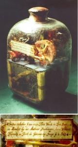 Hobby Buchingera było budowanie scen w butelkach. Na zdjęciu wykonana przez niego butelka wykonana 20.10.1719 r. ze sceną z kopalni w środku, fot.Alan Rogers