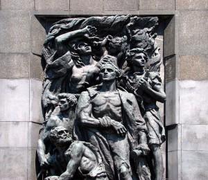 Żydowscy powstańcy, detal pomnika Bohaterów Getta, rzeźba autorstwa Natana Rapaporta