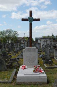 Odrestaurowany grób Krystyny Skarbek i Andrzeja Kowerskiego, polskich agentów w służbie brytyjskiej SOE, na katolickim cmentarzu Kensal Green St. Mary w Londynie