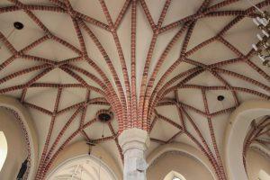 Sklepienie nawy głównej kościoła pw. Andrzeja Apostoła w Gosławicach / Fot. Maja Sypniewska