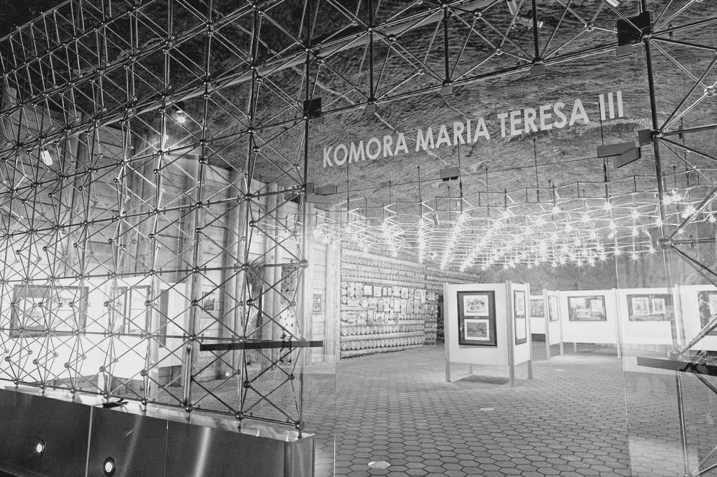 Oryginalna Scianka Oraz Oswietlenie Z 1966 Roku Zdjecc