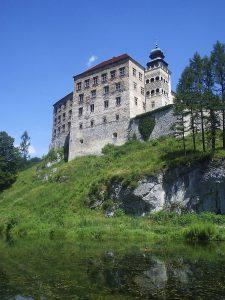 Zamek w Pieskowej Skale, źródło: CC BY-SA 2.5, http://commons.wikimedia.org/w/index.php?curid=814182
