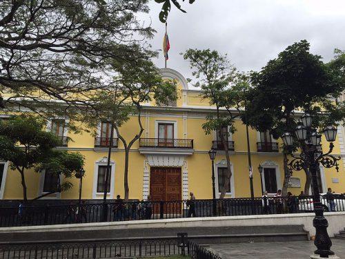 casa_amarilla_de_caracas_-_2015