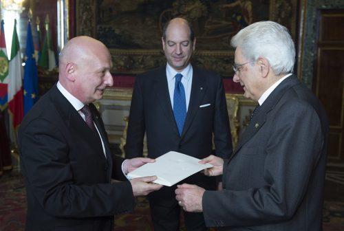 Ambasador Tomasz Orłowski składający listy uwierzytelniające prezydentowi Włoch