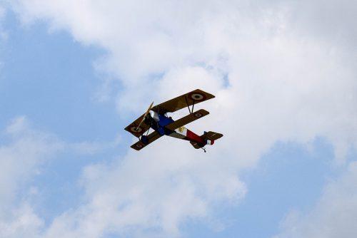 Kraków Airshow - Małopolski Piknik Lotniczy 2017, francuski myśliwiec Nieuport z okresu I wojny światowej / fot. Wojtek Duch